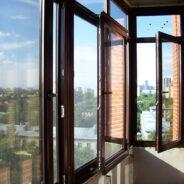 Пластиковые окна с декоративным покрытием