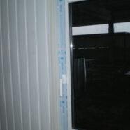 Удаление следов наклеек на окнах из ПВХ.